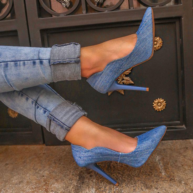 scarpin-royalz-curvas-jeans-salto-alto-fino-claro-3