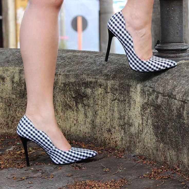 scarpin-royalz-curvas-tecido-salto-alto-fino-xadrez-preto-4