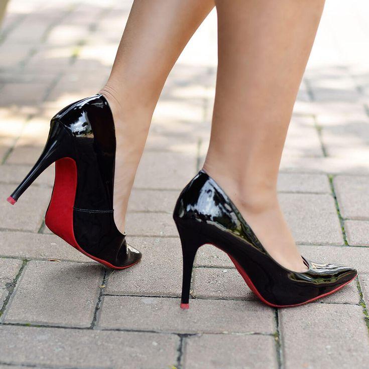 scarpin-royalz-verniz-sola-vermelha-salto-alto-fino-preto-4