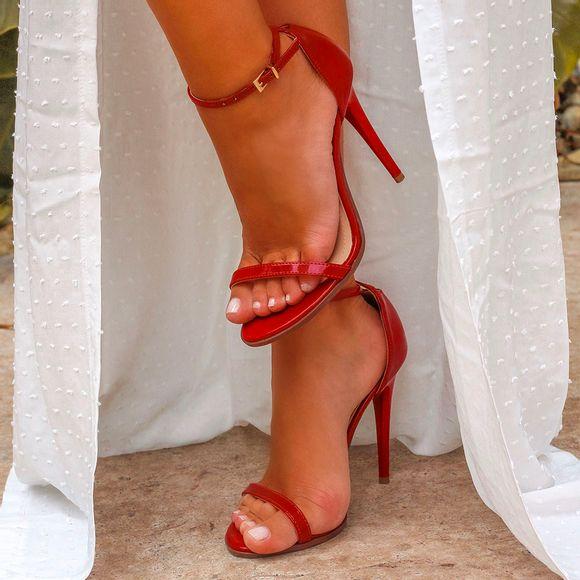 sandalia-royalz-verniz-salto-alto-fino-tira-vermelha-1