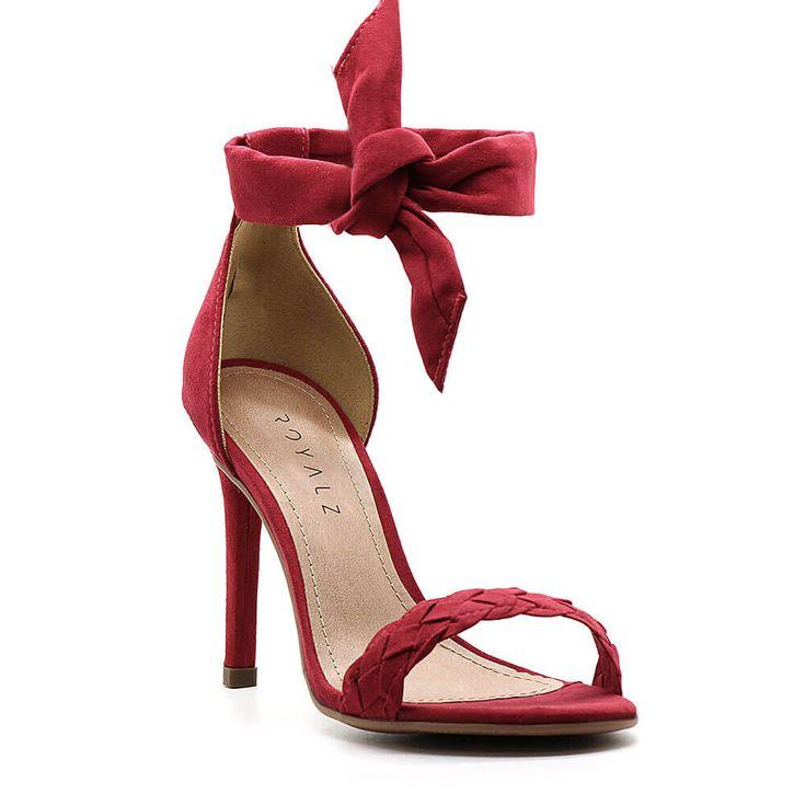 sandalia-royalz-suede-salto-fino-amarracao-alice-vermelha-1