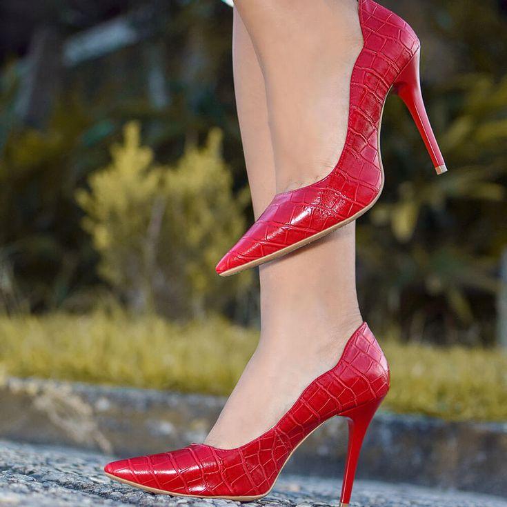 scarpin-royalz-croco-penelope-curvas-vermelho-1