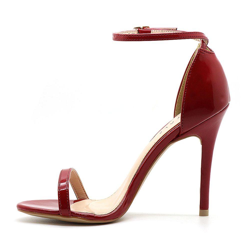 sandalia-royalz-verniz-salto-alto-fino-tira-vermelha-4
