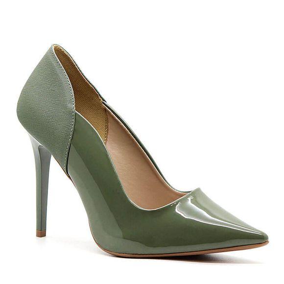 scarpin-royalz-verniz-salto-alto-fino-penelope-curvas-verde-militar-1