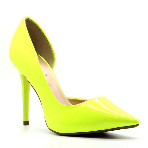 scarpin-royalz-verniz-neon-abertura-interna-salto-alto-fino-penelope-amarelo-1