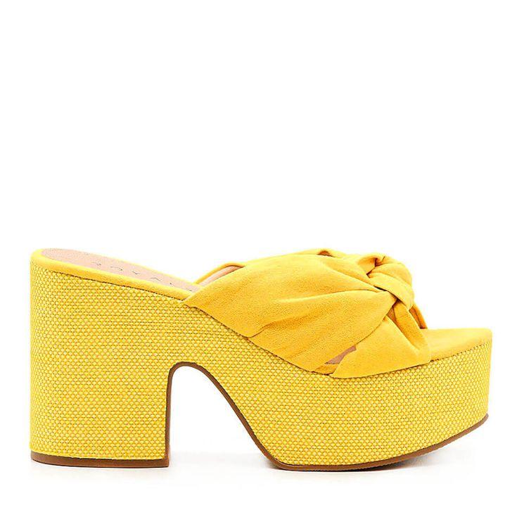 mule-royalz-suede-salto-grosso-plataforma-laura-no-amarelo