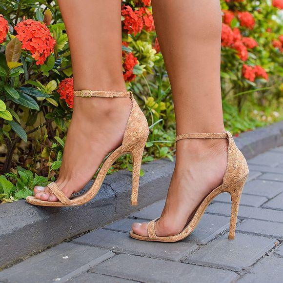 sandalia-royalz-cortica-paola-salto-alto-fino-tira-marrom-4