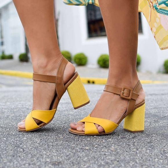 sandalia-royalz-lisa-salto-grosso-leticia-amarela-4
