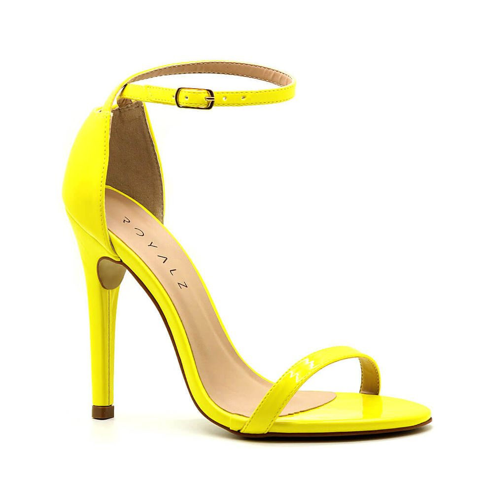 sandalia-royalz-verniz-paola-salto-alto-fino-tira-amarela-1