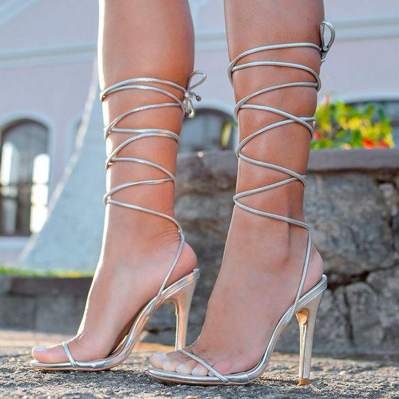 sandalia-royalz-metalizada-louise-amarracao-salto-alto-fino-prata