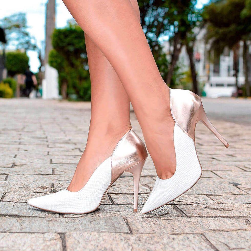 scarpin-royalz-cobra-salto-alto-fino-penelope-vivian-branco-rose-4