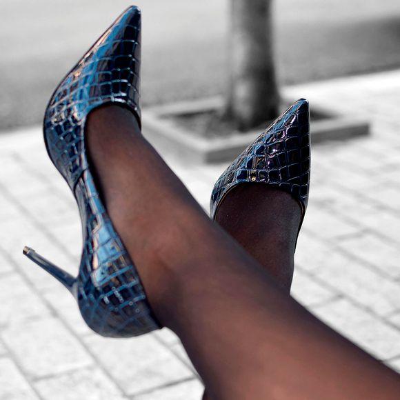 scarpin-royalz-croco-verniz-salto-alto-penelope-azul-marinho-1